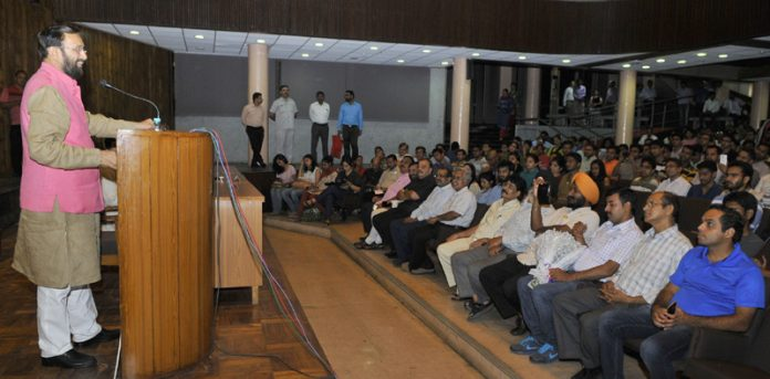 The Union Minister for Human Resource Development, Shri Prakash Javadekar speaking at a function at IIT, in New Delhi on July 15, 2016